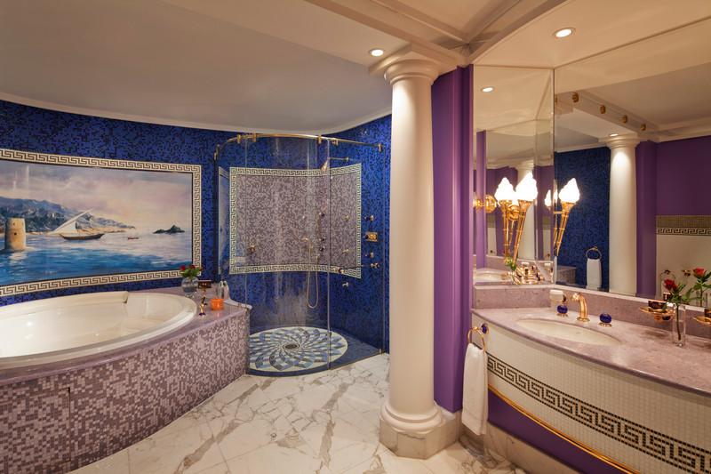 Burj-Al-Arab-Club-Suite-Upper-level-luxury-bathroom